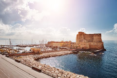 Napels, Italië - mening van Castel dell& x27; Ovo & x28; Ei Castle& x29; Royalty-vrije Stock Foto's