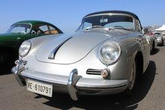 NAPELS - JUNI 30: Tentoonstelling Porsche 911 auto in openlucht in Napels, 30 Juni, 2016 Italië Royalty-vrije Stock Foto's