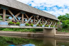 Free Naperville Riverwalk Covered Bridge Over The DuPage River Royalty Free Stock Photography - 157226537