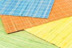 Napkinss de bambú coloreados Fotos de archivo libres de regalías