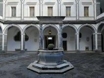 Naples - bien du cloître des procureurs image libre de droits