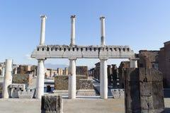 NAPLES, ITALIE - 19 JANVIER 2010 : Structure de basilique dans Pompe Image libre de droits
