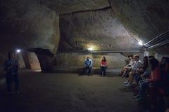 Naples ITALIEN - JUNI 01: Naples forntida underjordiska gallerier på Naples, Italien på Juni 01, 2016 Arkivfoto