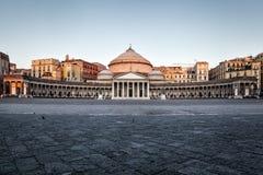 Naples kyrka av Sain Francesco di Paola Royaltyfria Bilder