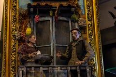 Naples, San Gregorio Armeno, un berger de huche, un caractère de raffinage du théâtre italien photo libre de droits