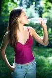 napojów dziewczyny woda zdjęcie royalty free