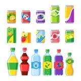 Napojów napoje Zimna energia, fizzy sodowany napój, iskrzasta woda lub owocowy sok w szklanych butelkach, Pije wektor royalty ilustracja