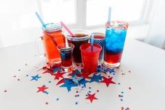 Napoje na ameryka?skim dnia niepodleg?o?ci przyj?ciu zdjęcie royalty free