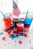 Napoje na ameryka?skim dnia niepodleg?o?ci przyj?ciu zdjęcie stock