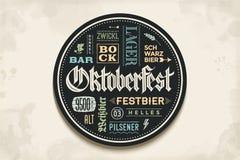 Napoju kabotażowiec z literowaniem dla Oktoberfest piwa festiwalu Fotografia Stock