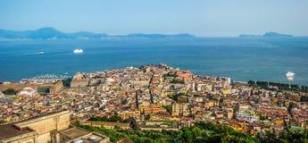 Napoli con il golfo di Napoli al tramonto, campania, Italia Fotografia Stock Libera da Diritti