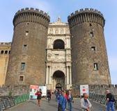 Napoli, Italië Landschap bij het beroemde kasteel Castel Nuovo, ook genoemd Maschio Angioino stock foto's