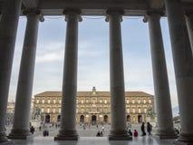 Napoli, Italia Abbellisca alla Piazza del Plebiscito quadrata famosa fotografia stock