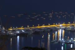Napoli Oporto nella notte Fotografia Stock