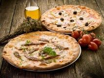 Napoli y capricciosa de la pizza Foto de archivo libre de regalías