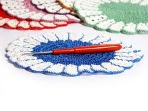 Napperon et crochet Photographie stock