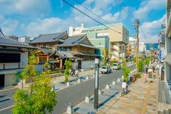 Nara Japan - Juli 26, 2017: Härlig sikt på den soliga dagen på att shoppa område i Nara, Japan Nara är en tidigare huvudstad Arkivfoton