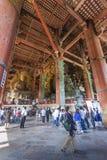 NARA JAPAN - MAJ 11: Den stora Buddha i den onMay Todai-ji templet Royaltyfria Bilder