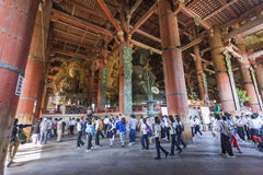 NARA, JAPON - 11 MAI : Le grand Bouddha dans le temple de Todai-JI onMay Photos stock