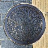 Nara, Japonia 11 Październik, 2018: ściekowa nakrętki, manhole pokrywa/ląg/, Japoński język znaczymy Nara obrazy stock