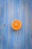 Naranja anaranjada con las piedras Fotos de archivo