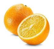 Naranja con una mitad de la naranja aislada en el fondo blanco Fotos de archivo libres de regalías