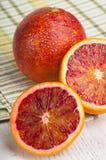 Naranja de sangre cortada madura fotos de archivo