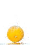 Naranja fresca con las burbujas Fotografía de archivo