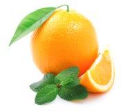 Naranja madura aislada. Imagen de archivo libre de regalías