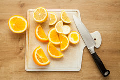 Naranja y limón cortados Fotografía de archivo libre de regalías