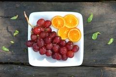 Naranjas de la uva y de la rebanada Imágenes de archivo libres de regalías