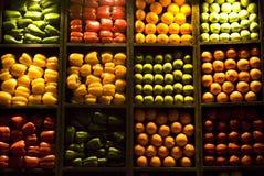Naranjas, manzanas, pimientas   Foto de archivo