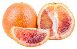 Naranjas rojas cortadas frescas aisladas Imagen de archivo libre de regalías