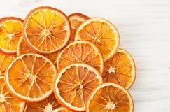 Naranjas secadas en blanco Lugar para el texto Foto de archivo