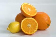 Naranjas y limón Imagen de archivo libre de regalías