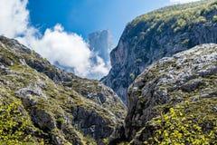 Naranjo de Bulnes στα βουνά Picos de Ευρώπη Στοκ Φωτογραφία
