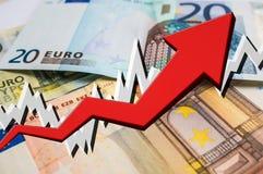 Narastająca strzała z euro pieniądze tłem Zdjęcie Royalty Free