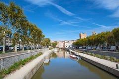 Narbonne stadslandskap arkivbild