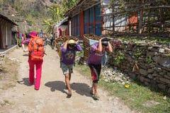 NARCHYANG, NEPAL 18 DE MARÇO: Povos 18 dos Himalayas, 2015 em Narchyan Fotos de Stock Royalty Free