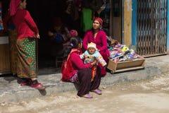 NARCHYANG, NEPAL 18. MÄRZ: Himalajaleute 18, 2015 in Narchyan Stockbilder