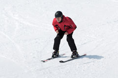 Narciarka bez narty wtyka nadchodzącego puszek narta od góry Fotografia Royalty Free