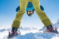 Narciarka mężczyzna cieszy się zima śnieg Obraz Royalty Free
