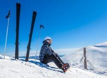 Narciarka na wierzchołku mountaine Obraz Stock