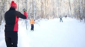 narciarka prowincji Dziecko iść na przez cały kraj narciarstwie Slowmotion zbiory