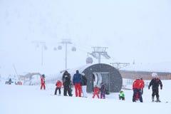 Narciarki w śniegu obrazy royalty free