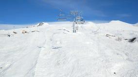 Narciarskiego dźwignięcia snowboard góra zbiory