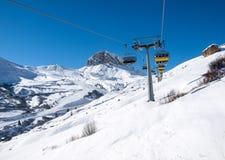 Narciarstwo teren w dolomitów Alps Przegapiać Sella grupy w val gardena zdjęcia stock