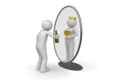 Narcissist - hombre con el rey de la botella en espejo Fotos de archivo
