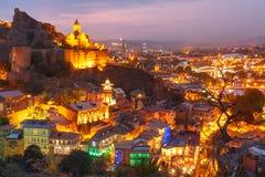 Narikala och gammal stad på solnedgången, Tbilisi, Georgia Fotografering för Bildbyråer