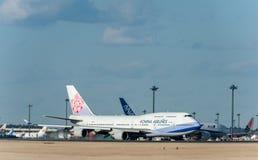 NARITA - JAPÓN, EL 25 DE ENERO DE 2017: B18212 Boeing 747 China Airlines en el aeropuerto internacional de Narita, Japón Imágenes de archivo libres de regalías